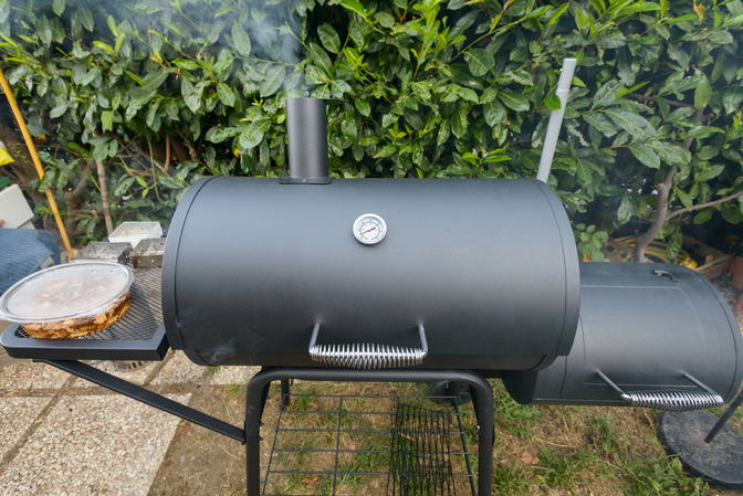 how to clean a smoker grill